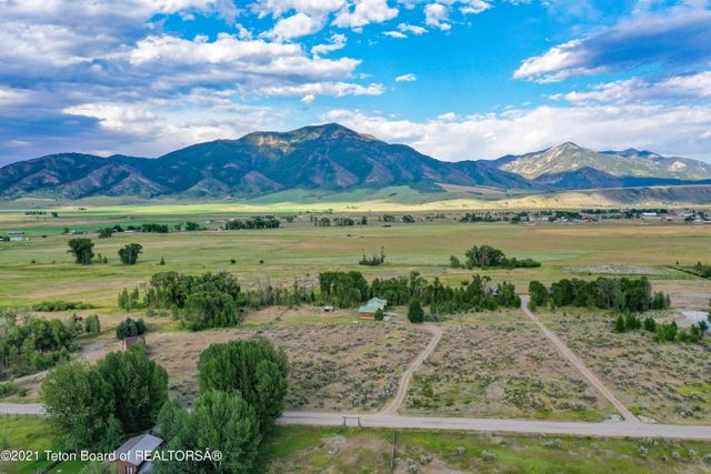 Listing photo 1 for 1197 Cottonwood Rd