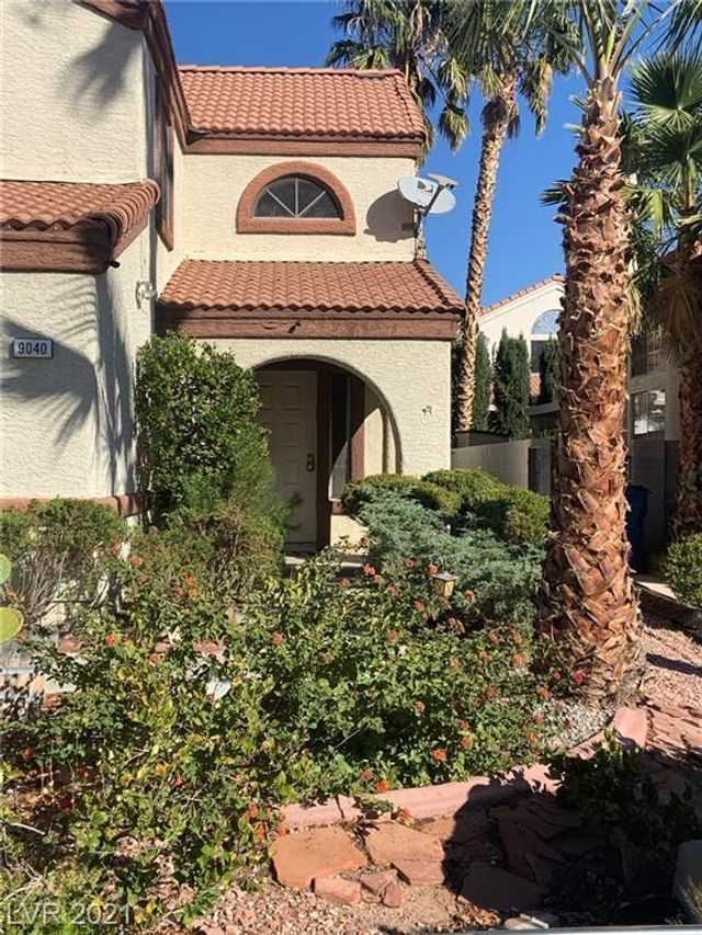 Listing photo 1 for 9040 Quiet Cove Way