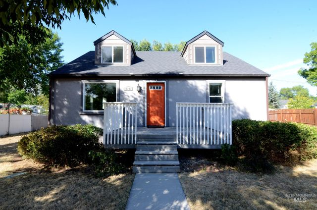 Listing photo 1 for 1901 S Latah St