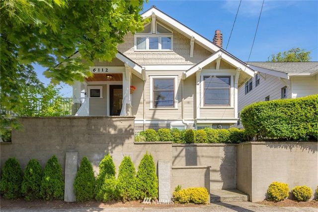 Listing photo 1 for 6112 Greenwood Ave N