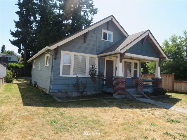 Listing photo 1 for 1682 S 44th St