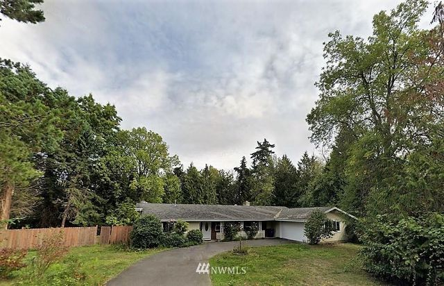 Listing photo 1 for 2436 82nd Ave NE