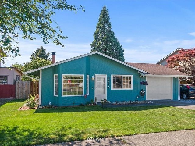 Listing photo 1 for 3208 57th Ave NE