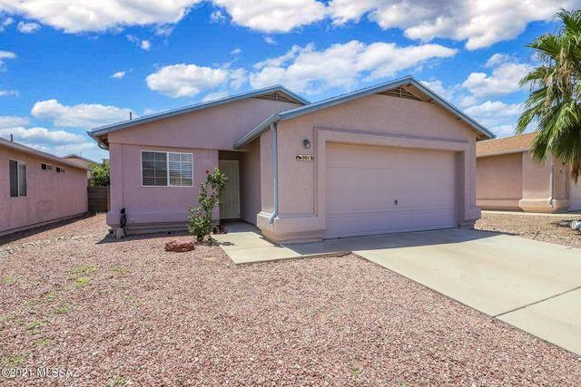 Property photo 1 featured at 9018 E Weyburn Drive, Tucson, AZ 85730