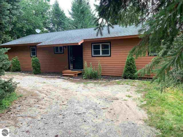 Listing photo 1 for 4236 Mcleod Dr