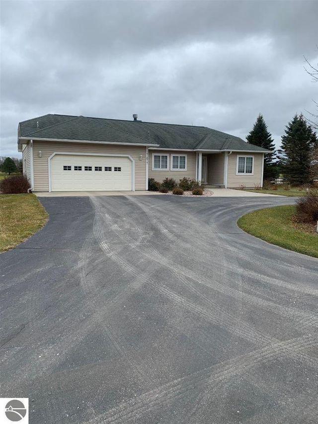 17477 Fowler Rd, Almira Township, 49650, MI - photo 0