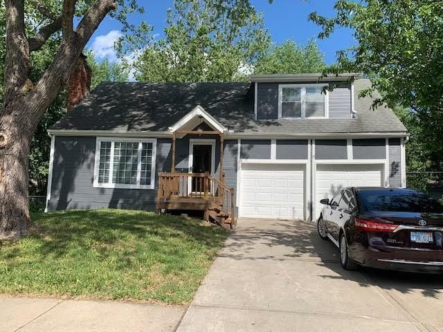 Listing photo 1 for 1420 S Sioux Dr