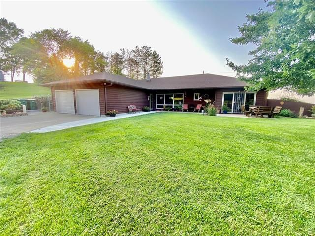 Listing photo 1 for 3121 SE Stanley Rd