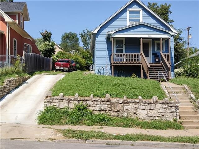 Listing photo 1 for 2408 Stewart Ave