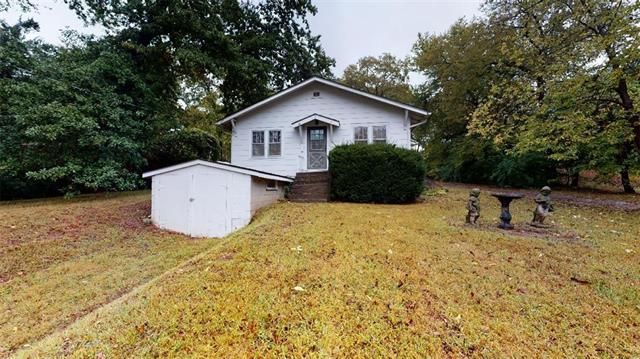 Listing photo 1 for 9006 W 51st St