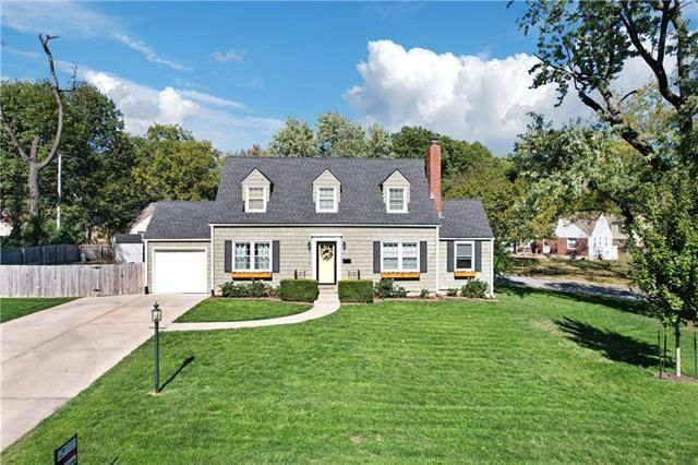 Listing photo 1 for 4714 W 57th St