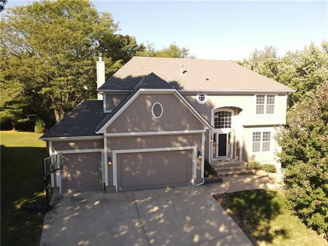 Listing photo 1 for 23116 W 46th Ter