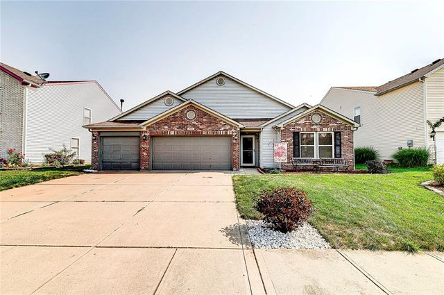 Listing photo 1 for 8634 Orchard Grove Ln