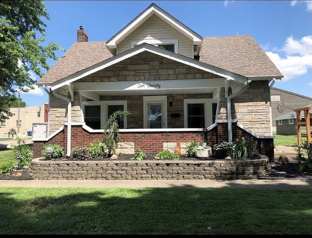 Listing photo 1 for 1020 4th St