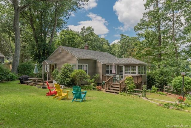 Listing photo 1 for 273 Lake Shore Dr
