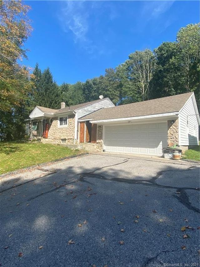 Listing photo 1 for 296 Killingly Ave