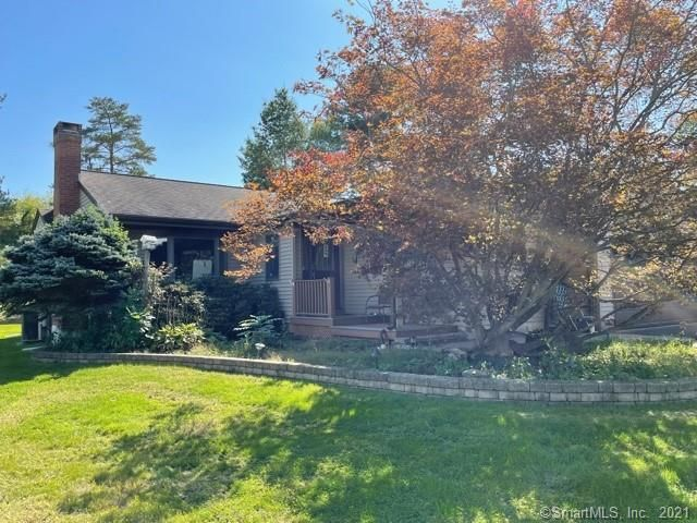Listing photo 1 for 221 Pheasant Dr