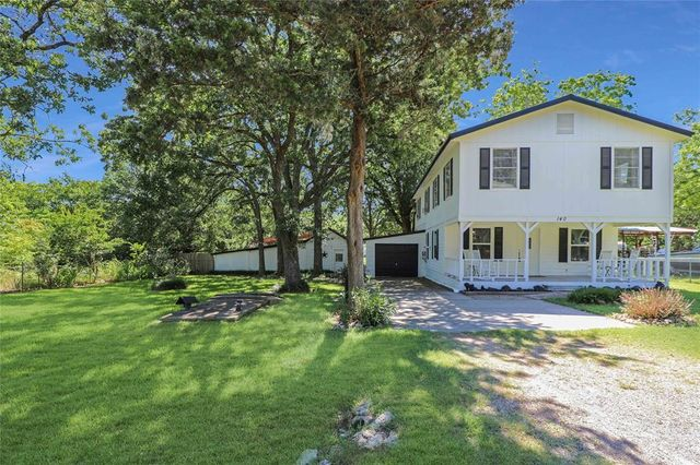 Listing photo 1 for 140 Ivanhoe Dr