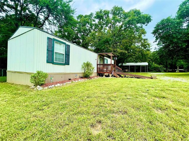 Listing photo 1 for 501 Lazy Ike Ln