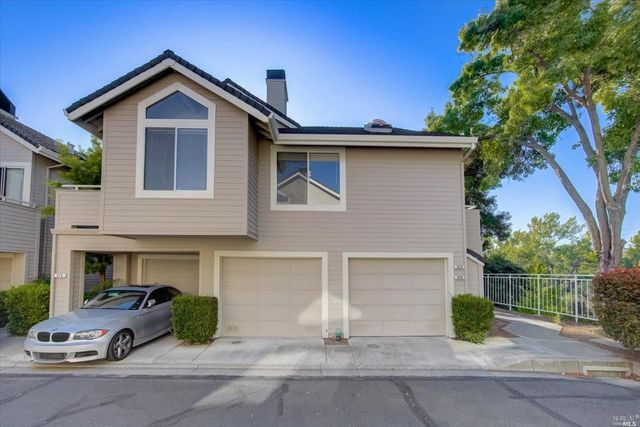 Listing photo 1 for 219 Compass Point Ct