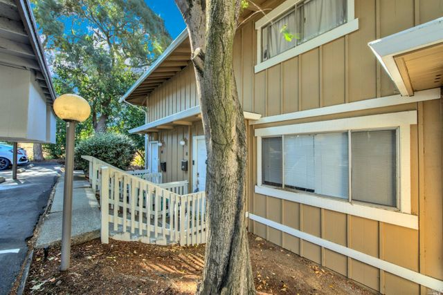 Property photo 1 featured at 138 Warwick Dr Unit 81, Benicia, CA 94510
