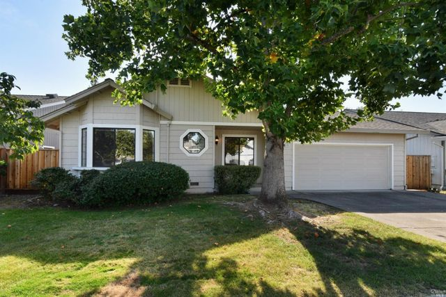 Property photo 1 featured at 9436 Jessica Dr, Windsor, CA 95492