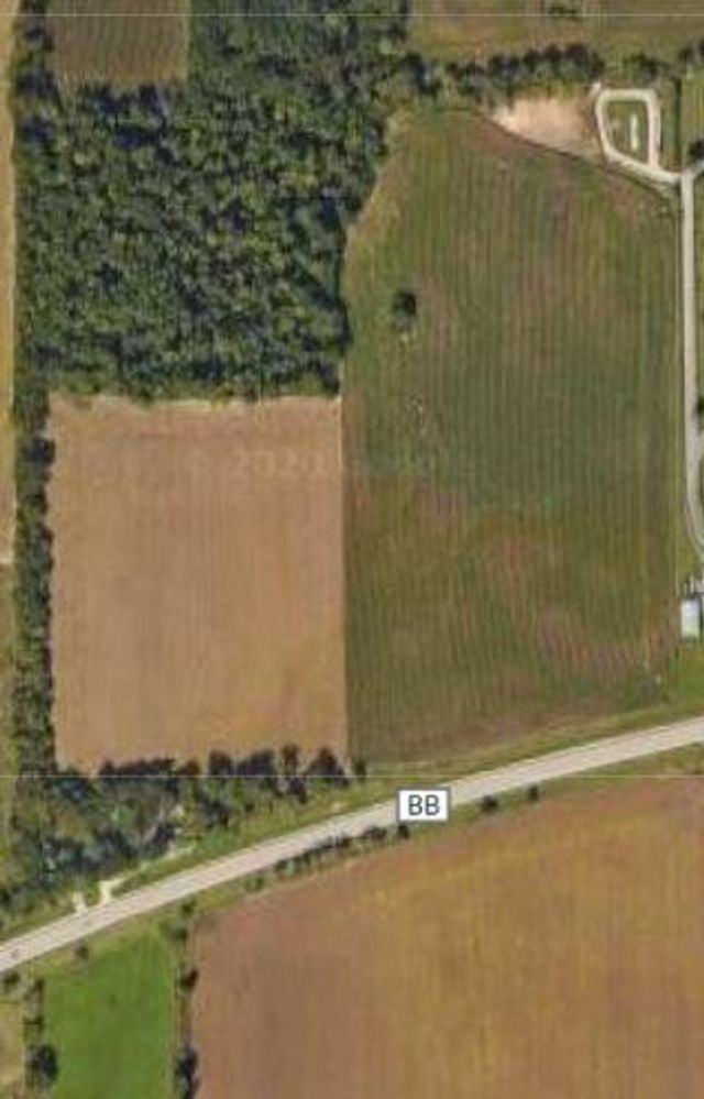Listing photo 1 for 3058 County Highway Bb