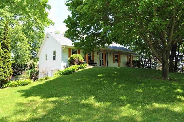 Listing photo 1 for 5571 Damsel Ct