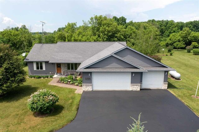 Listing photo 1 for N3277 Hickory Nut Cir