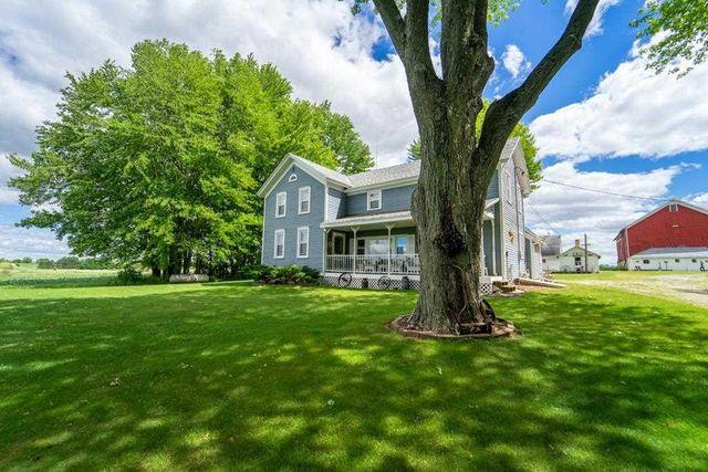Listing photo 1 for W10425 Cedar Rd