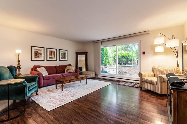 Listing photo 1 for 3416 Valley Ridge Rd Unit 4