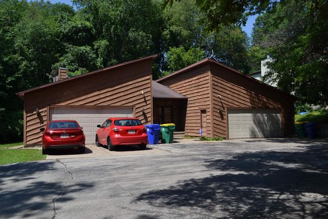 Property photo 1 featured at 2028 Packerland Dr, Green Bay, WI 54304