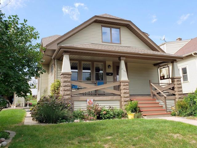 Listing photo 1 for 2165 S 94th
