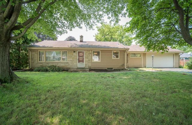 Listing photo 1 for 3183 N 106th St