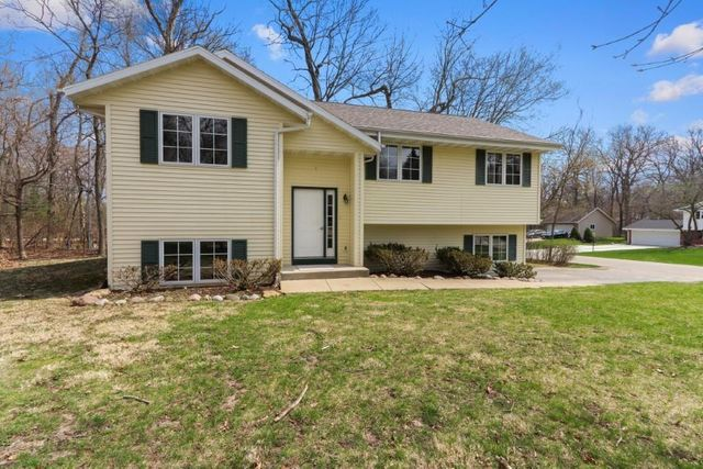 340 Frost Dr, Williams Bay, 53191, WI - photo 0