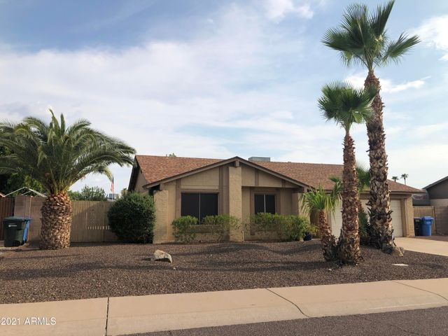 Listing photo 1 for 3601 W Angela Dr