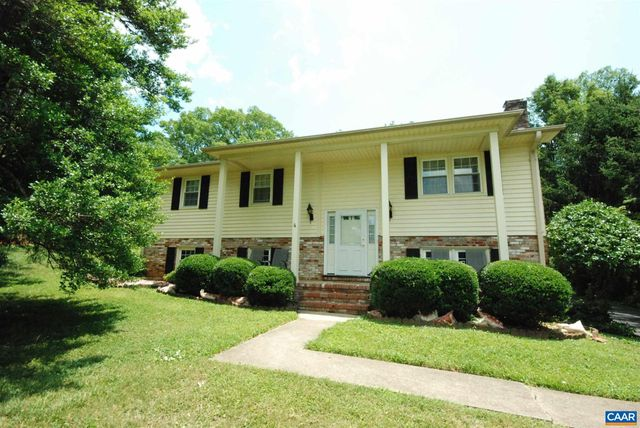 Listing photo 1 for 3039 Colonial Dr