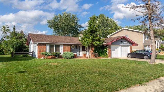 Listing photo 1 for 1370 Rosedale Ln