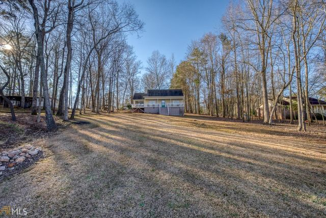 Listing photo 1 for 1066 Crooked Creek Rd