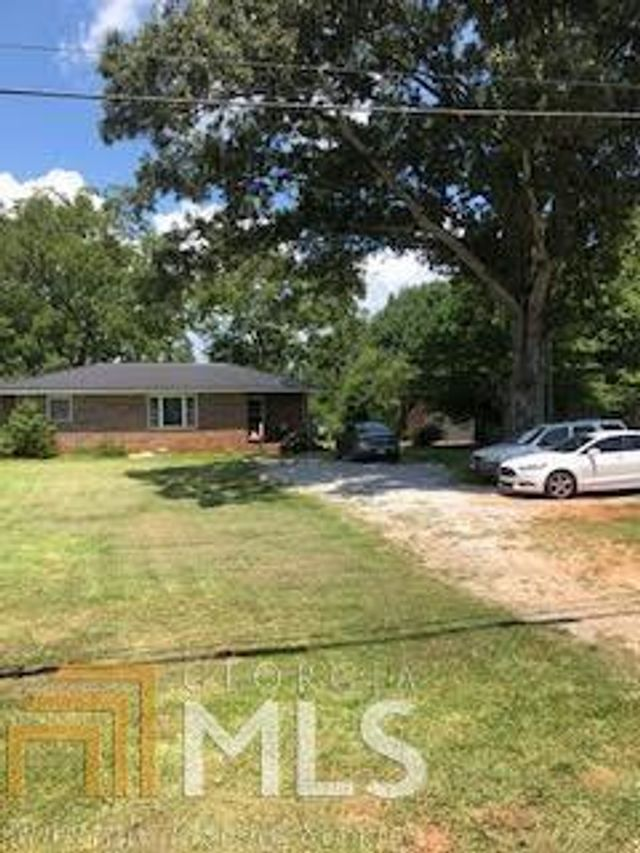 Listing photo 1 for 4720 Vickery St