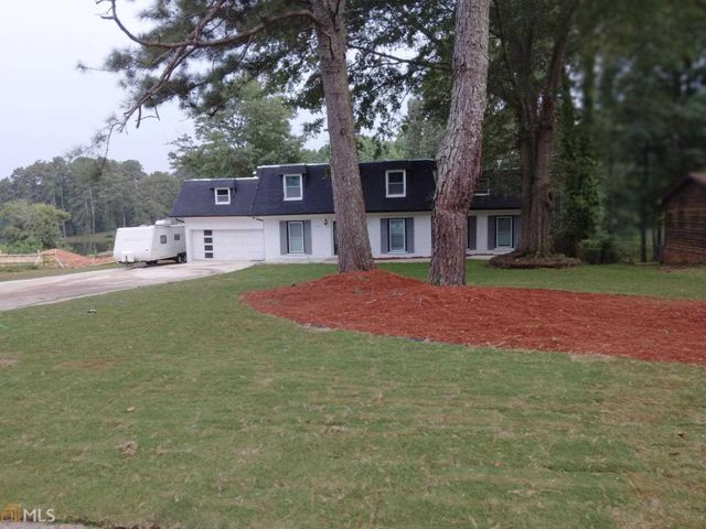 Listing photo 1 for 1639 Drakes Dr