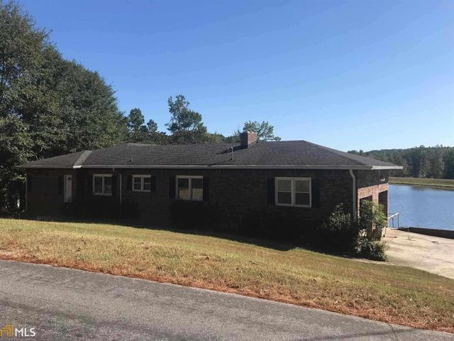 Listing photo 1 for 2355 Lakeshore Dr