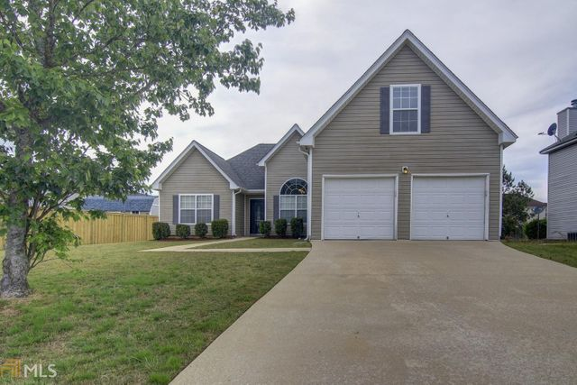Listing photo 1 for 1625 Village Place Cir