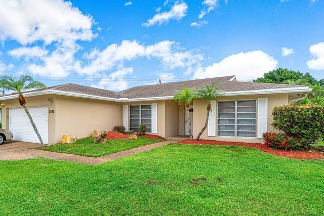 Listing photo 1 for 4613 Norfolk Island Pine Dr