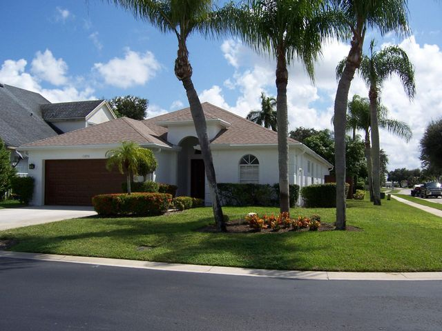 Property photo 1 featured at 13296 Emerald View Ct, Wellington, FL 33414