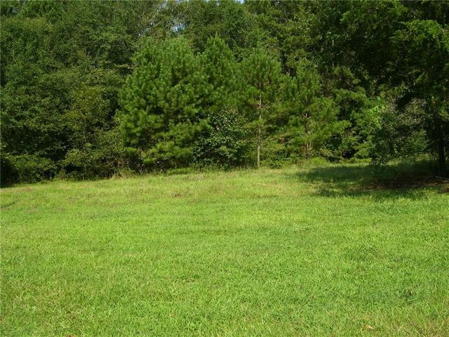Listing photo 1 for 2664 Ike Stone Rd