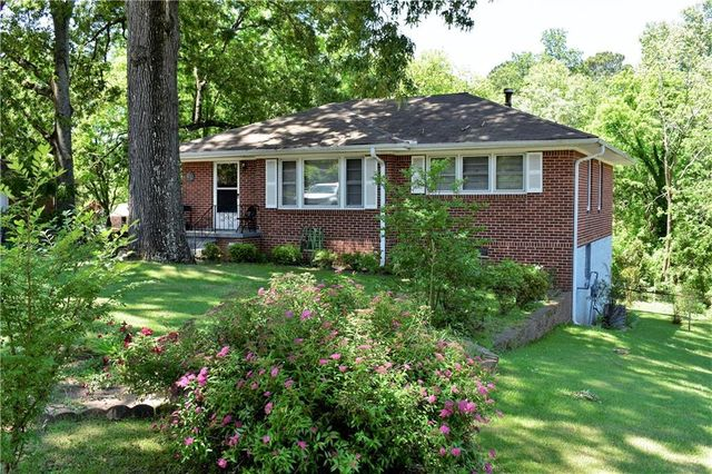 Listing photo 1 for 1070 Stoneybrook Rd