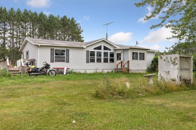 Listing photo 1 for 18781 Friesland Rd