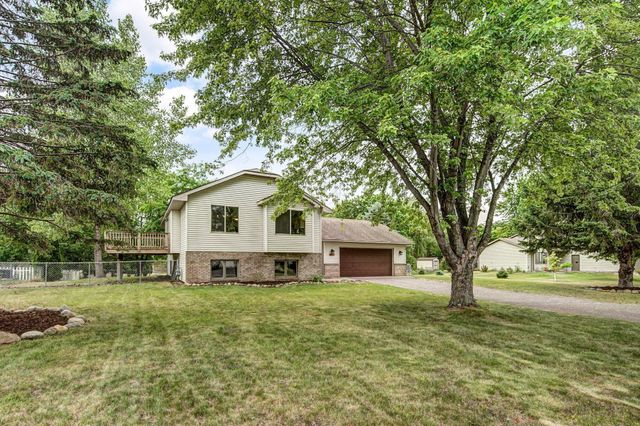 Listing photo 1 for 5455 274th St