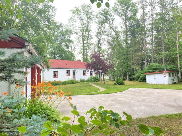 Listing photo 1 for 1510 State Highway 11 SE